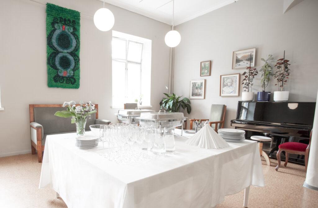 Lapinlahden-Lahde-Alexix-Kiven-Lounge-4